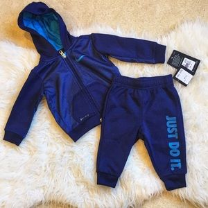 Nike baby boys two piece jogging set